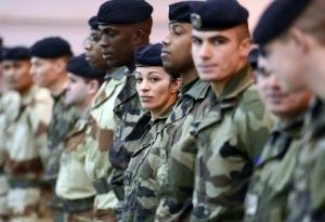 A-l-armee-les-inegalites-entre-hommes-et-femmes-persistent_article_main