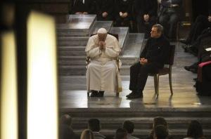 Le-pape-lance-un-appel-aux-mafieux_article_main