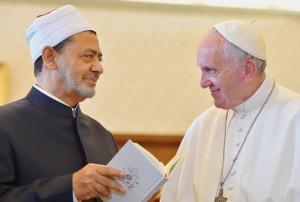 a01-09-pape-francoischeikh-ahmed-al-tayeb-grand-dal-azhar-francois_0_730_492
